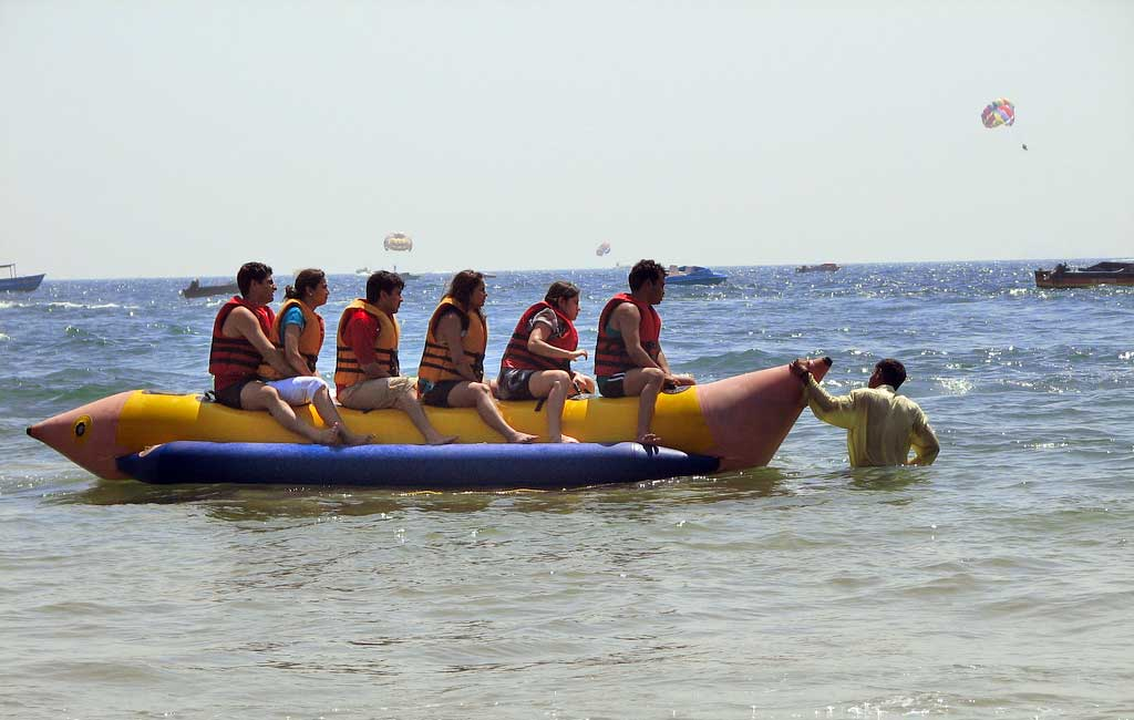 banana-ride-activity-in-goa