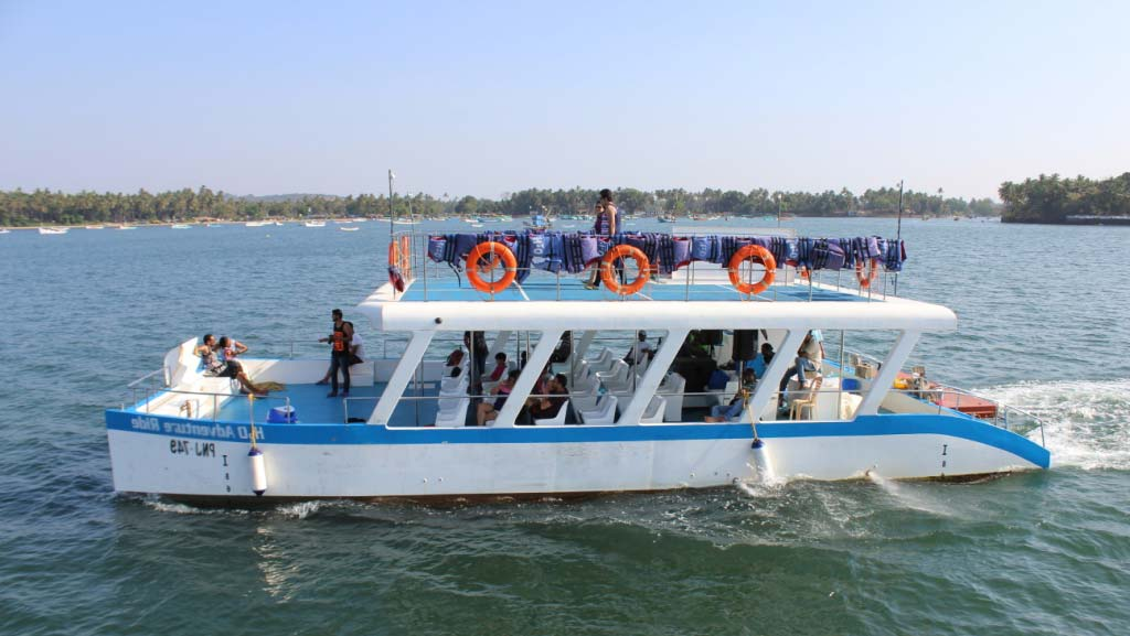 mandovi-river-catamaran-cruise-activity-monsoon-goa