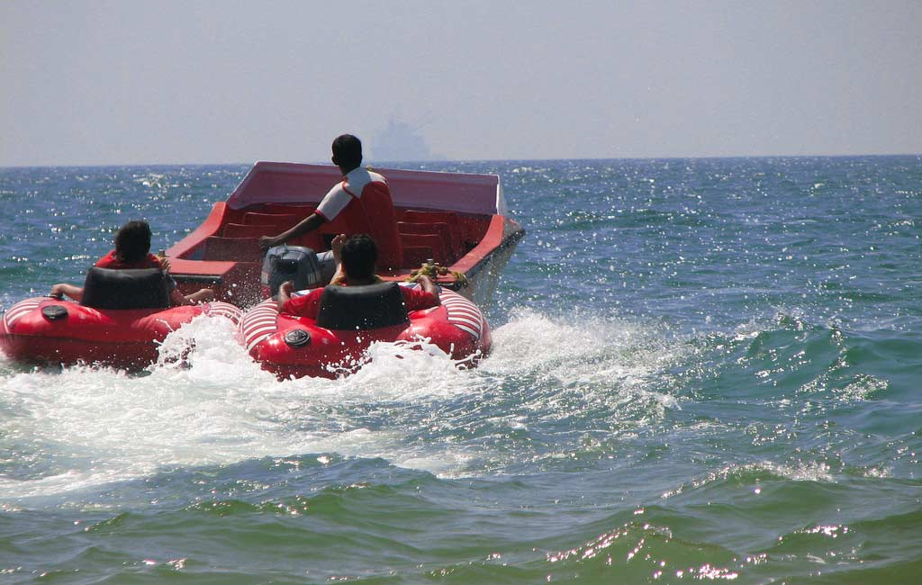 Bumper-Boat-Water-Sports-in-Goa