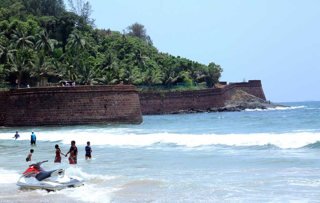 Candolim Beach (North Goa Sightseeing Tour)