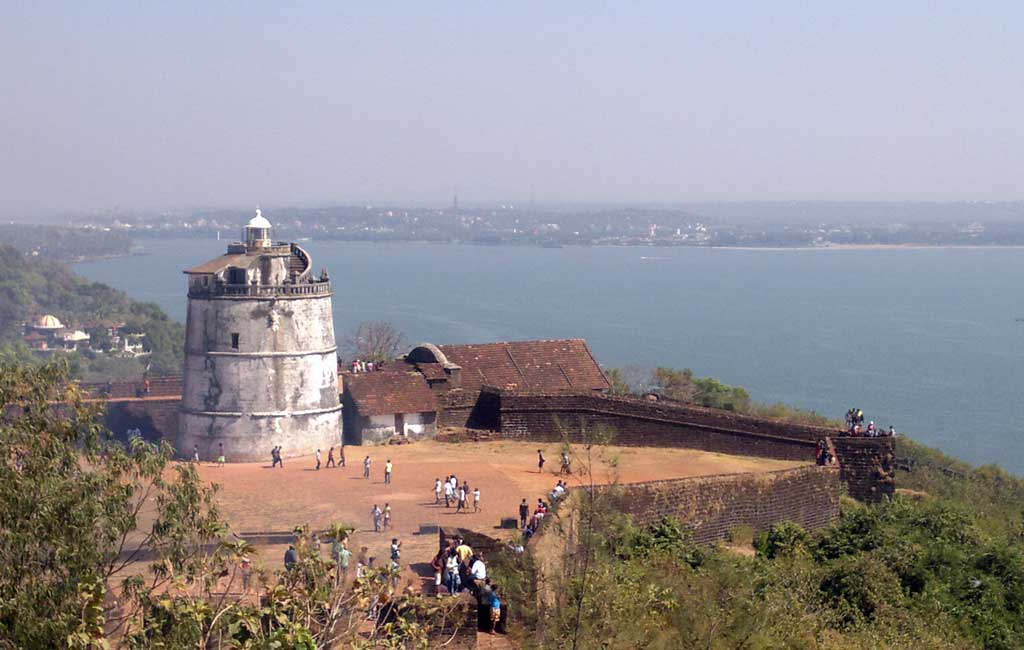 Fort Aguada Goa (North Goa Sightseeing Tour)