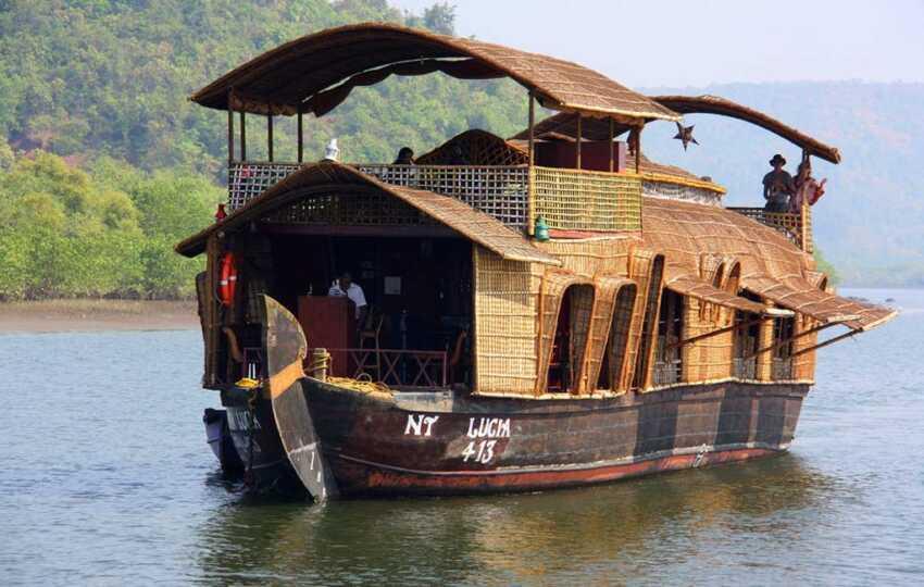 Goa-House-Boat-Day-Trip-Chapora-River