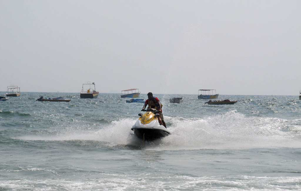 Jet-Ski-Activities-in-Goa-Beach