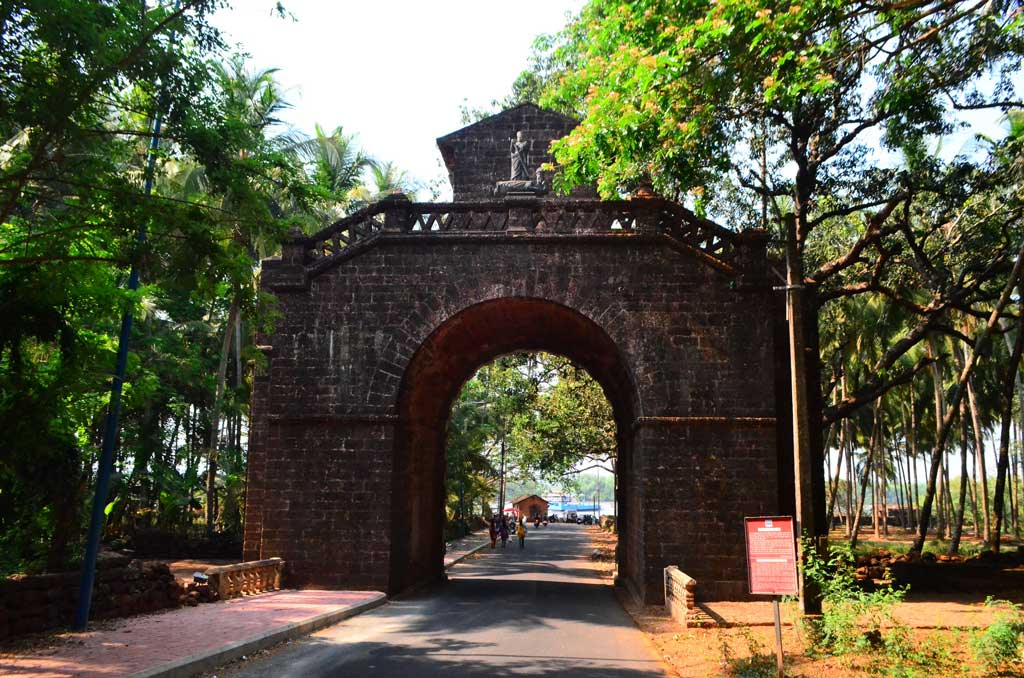 Old-Goa-Church-Gate