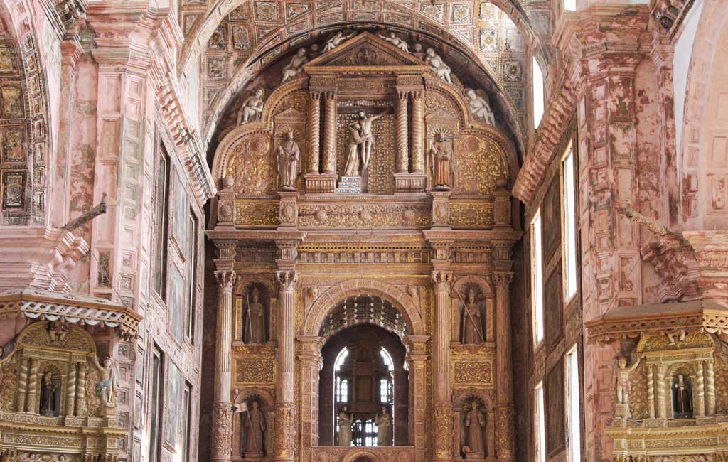 Old-Goa-Church-Interior