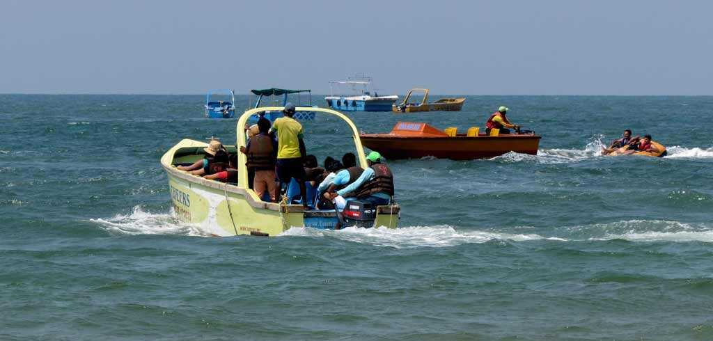 Speed-Boat-ride-in-Goa