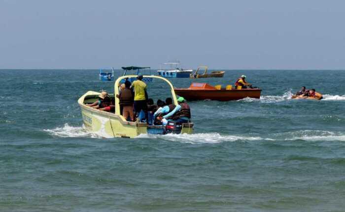 Speed-Boat-ride-in-Goa