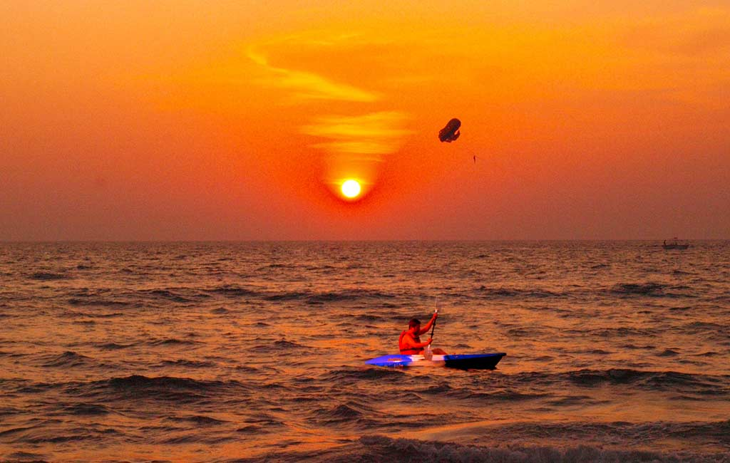 Sunset-Kayaking-in-Goa