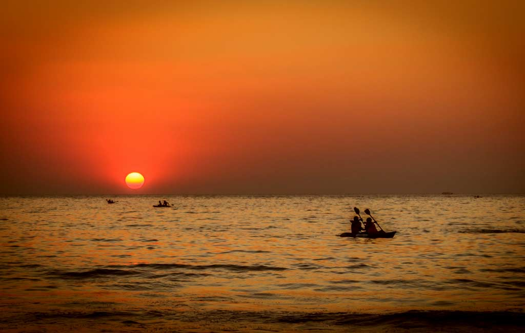 Sunset-beach-kayaking-goa-activities