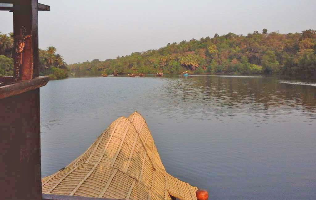 chapora-river-backwater-goa-houseboat