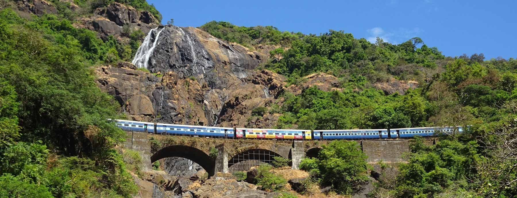 dudhsagar-falls-wide-photo
