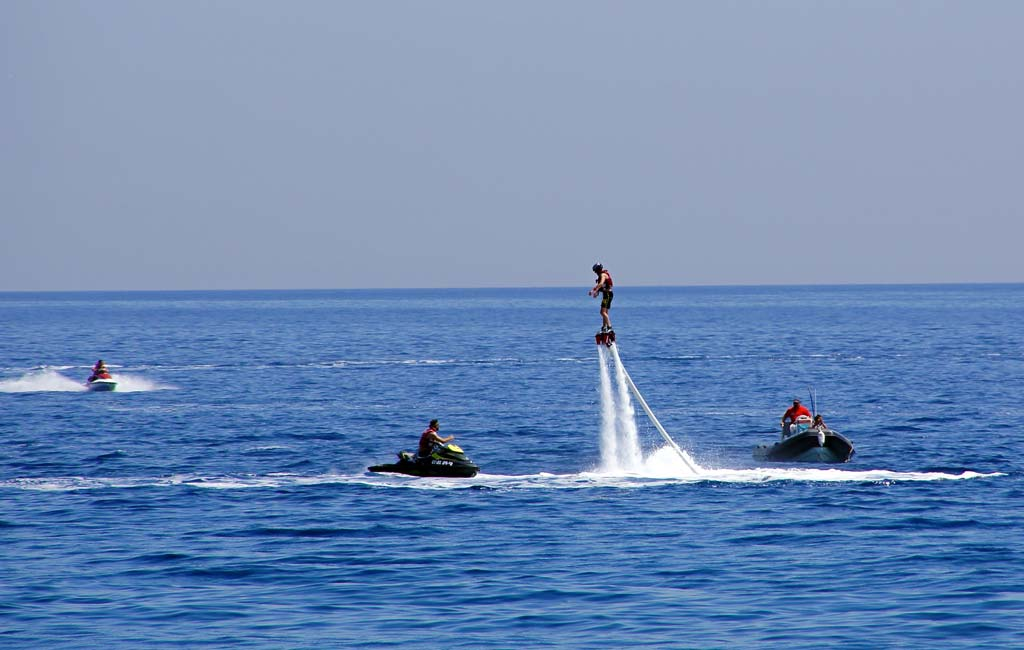 flyboarding-in-goa-price-and-booking-_2