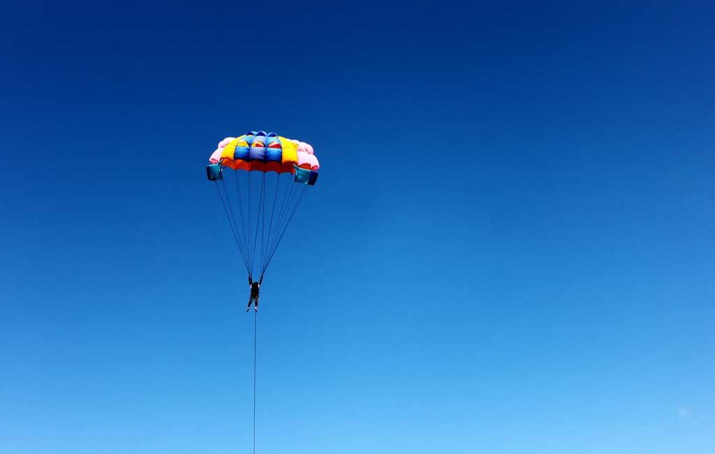 parasailing-activity-in-goa--