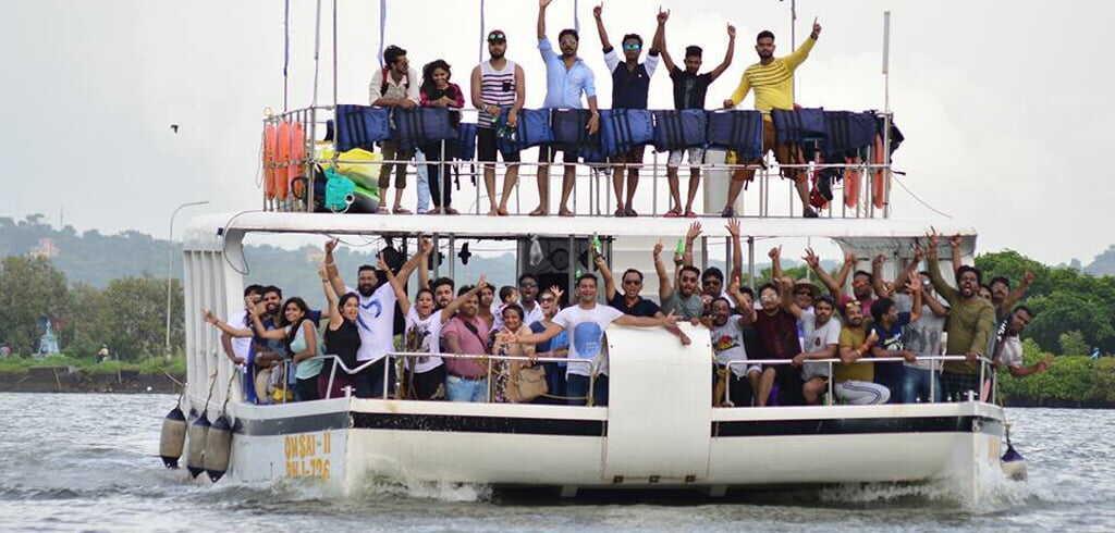 party boat cruise goa