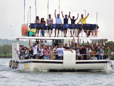 party boat cruise goa
