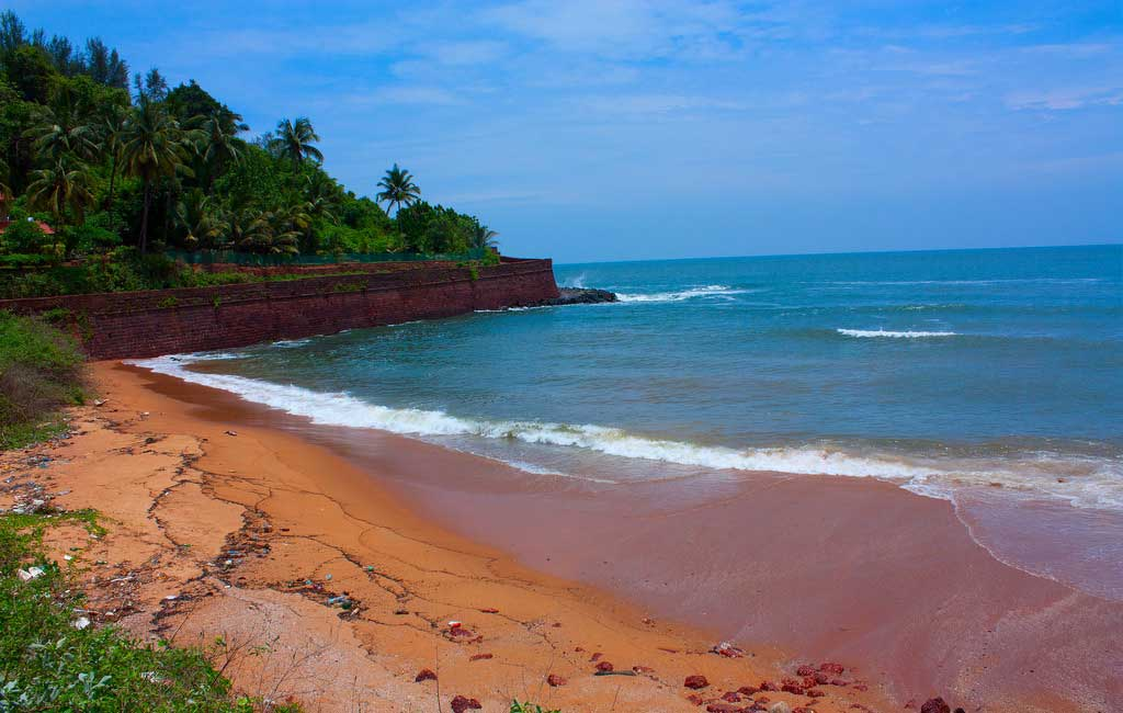 Sinquerim beach (North Goa Sightseeing Tour)