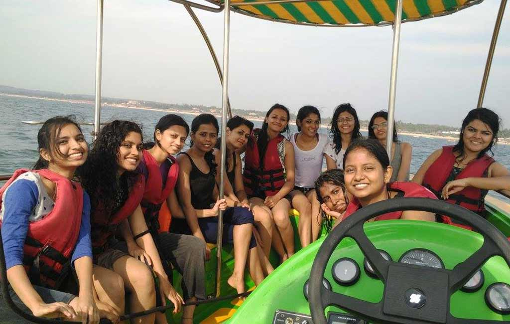 speed boat ride in goa - water sports