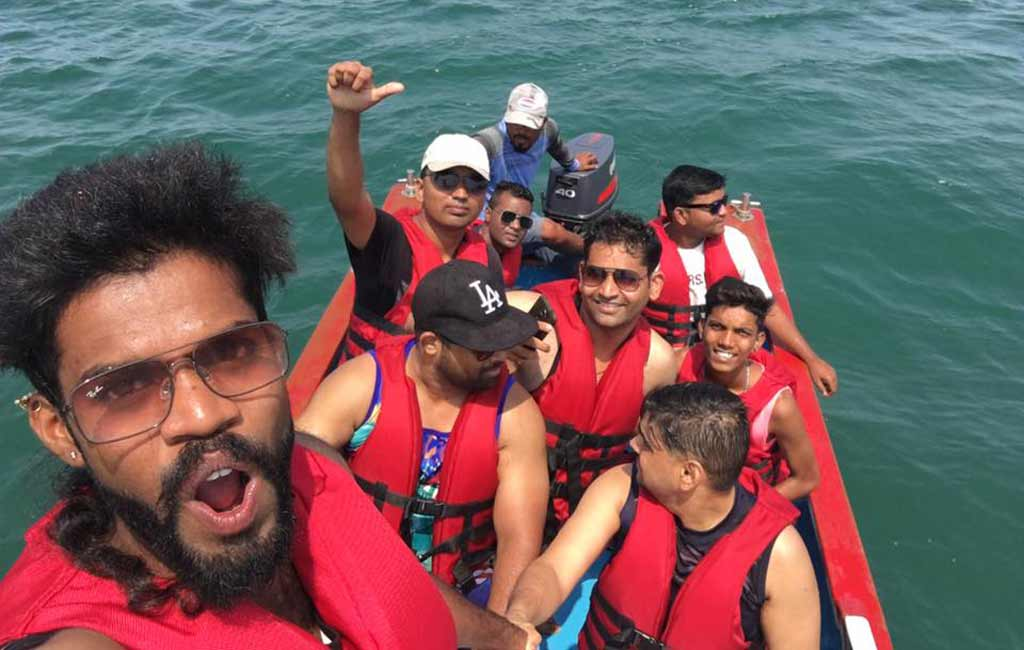 speed-boat-water-sports-goa Group