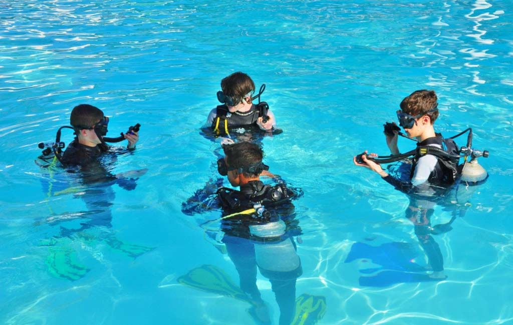 Advanced-PADI-Scuba-Diving-Course-Goa