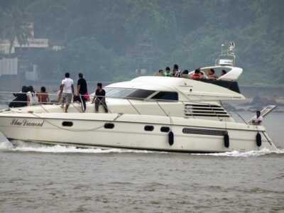 Private-Luxury-Yacht-Package-Goa
