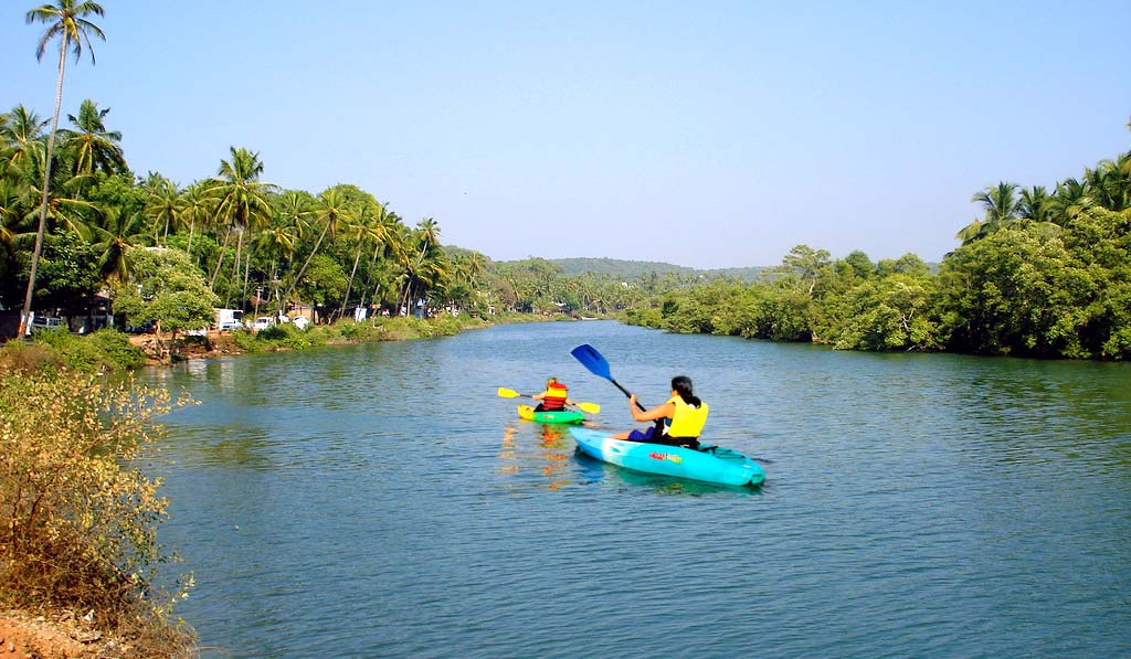 Kayaking Activities in Goa: Location & Pricing Guide 1