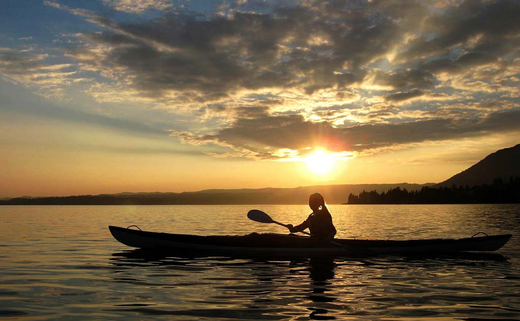 sunset-kayaking-goa